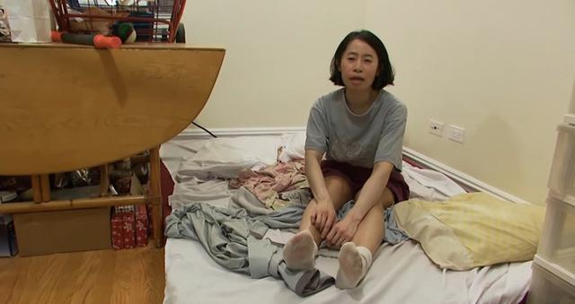 Tiết kiệm tiền mua nhà ở Mỹ, cô gái gây sốc với thói quen kiếm đồ ăn trong thùng rác - Ảnh 1