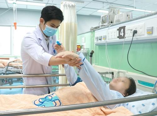 Tin tức đời sống ngày 15/4: Đắp lá sim, người phụ nữ phải cắt cụt chân - Ảnh 2