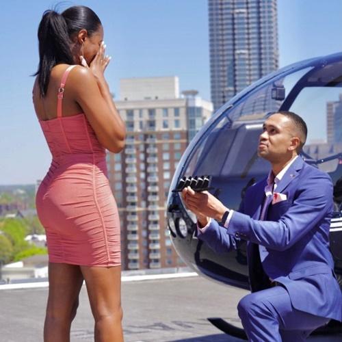 Chàng trai cầu hôn bằng 5 chiếc nhẫn kim cương sang chảnh, bất ngờ lựa chọn của cô gái - Ảnh 1