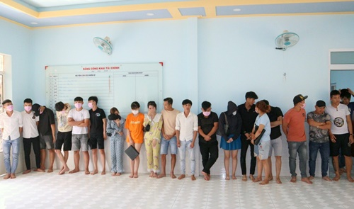 Vụ 20 người dương tính với ma túy ở Bình Phước: Bắt khẩn cấp chủ khách sạn - Ảnh 2
