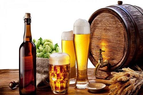 Mẹo giúp làn da luôn sạch mụn, sáng hồng, trẻ hóa chỉ với một lon bia - Ảnh 1