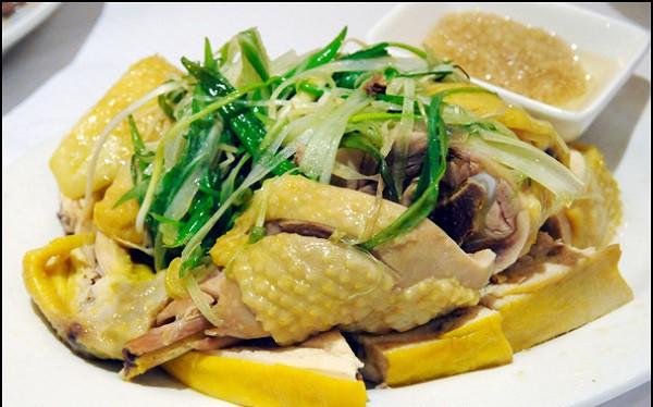 Mướp hương không chỉ nấu canh, đem hấp cùng gà thơm ngon vô cùng - Ảnh 1