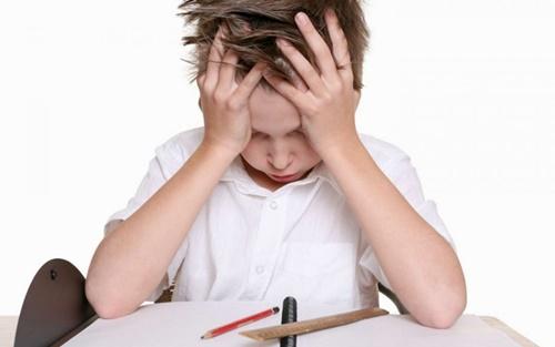 """Con 6 tuổi bị cô giáo chê IQ thấp, không có hy vọng vào đại học, ông bố đáp trả """"cực gắt""""  - Ảnh 1"""