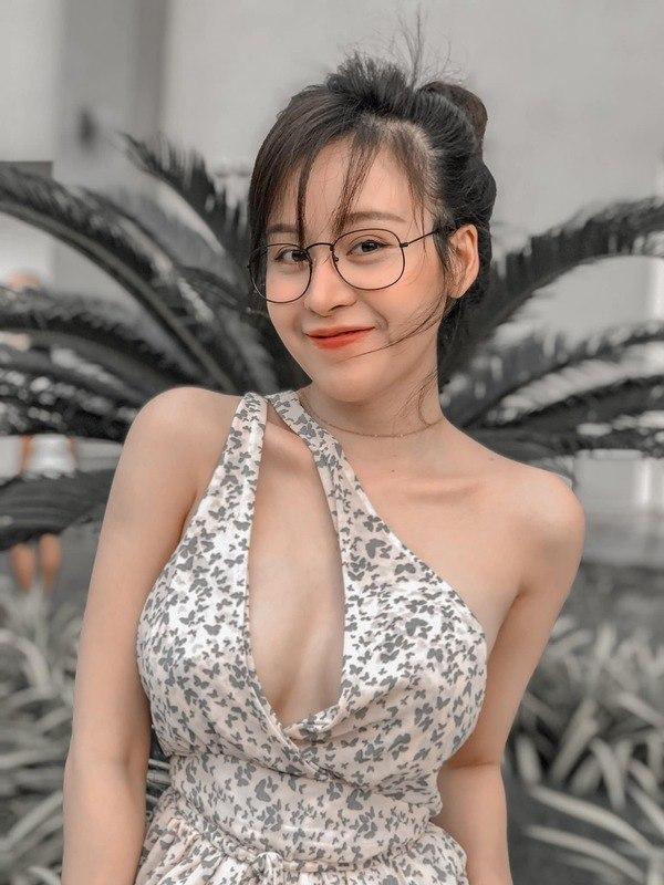 """Bị dân mạng chê thừa cân, bà Tưng tung ảnh """"vòng eo con kiến"""" phản pháo  - Ảnh 3"""