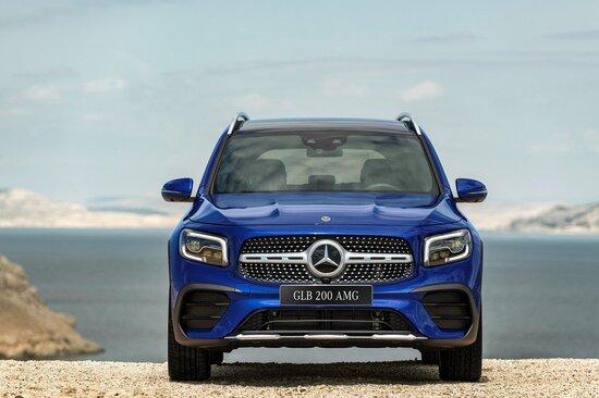 Bảng giá xe Mercedes-Benz mới nhất tháng 10/2020:  SUV 7 chỗ đầu tiên của Mercedes ra mắt tại Việt Nam - Ảnh 2