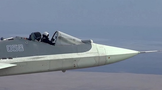"""""""Kinh ngạc"""" cảnh phi công điều khiển tiêm kích Su-57 trong buồng lái """"lộ thiên""""  - Ảnh 1"""