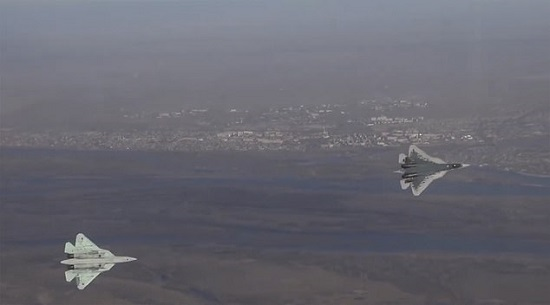 """""""Kinh ngạc"""" cảnh phi công điều khiển tiêm kích Su-57 trong buồng lái """"lộ thiên""""  - Ảnh 2"""