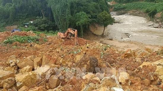 Công điện của Thủ tướng về cứu nạn, khắc phục hậu quả sạt lở đất tại Thừa Thiên-Huế - Ảnh 1