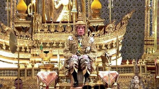 Khối tài sản 40 tỷ USD gây tranh cãi của quốc vương Thái Lan  - Ảnh 1