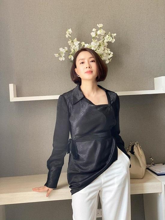"""Hồng Diễm sở hữu gu thời trang ngày càng """"xịn xò"""", quyết tâm """"lột xác"""" trên  phim mới"""