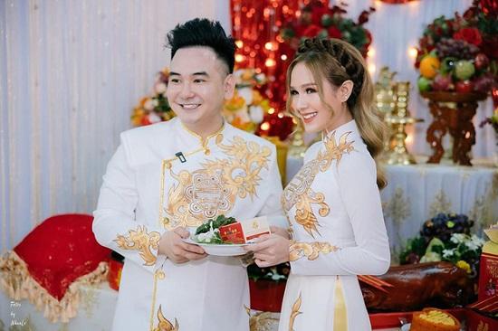 """""""Streamer giàu nhất Việt Nam"""" tiết lộ ngày lên xe hoa với bạn gái 18 tuổi  - Ảnh 4"""