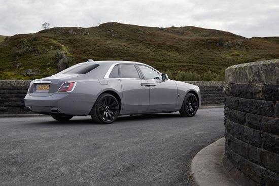 """Chiêm ngưỡng siêu xe Rolls-Royce Ghost 2021 giá """"ngất ngưởng"""" 6,3 tỷ đồng - Ảnh 2"""