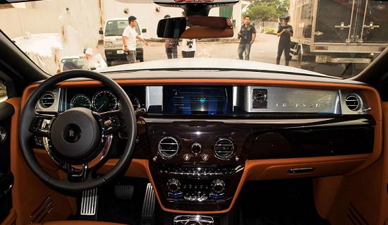 Chiêm ngưỡng siêu xe Rolls-Royce Phantom VIII giá hơn 70 tỷ vừa về Việt Nam - Ảnh 3