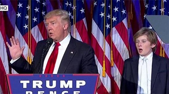 """""""Hoàng tử Nhà Trắng"""" Barron Trump và loạt khoảnh khắc gây bão cộng đồng mạng  - Ảnh 2"""