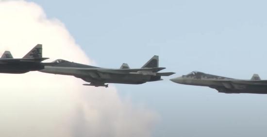 """Tiêm kích tàng hình Su-57 của Nga được """"trình diễn"""" cùng loại tên lửa mới nhất  - Ảnh 2"""