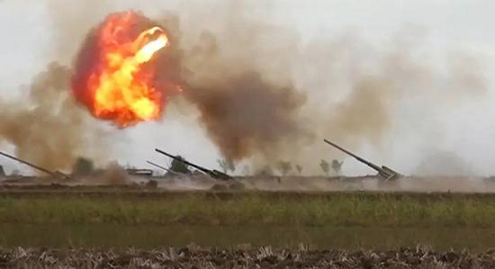 """Armenia dội """"bão lửa"""" san phẳng cơ sở dầu mỏ lớn của Azerbaijan - Ảnh 1"""