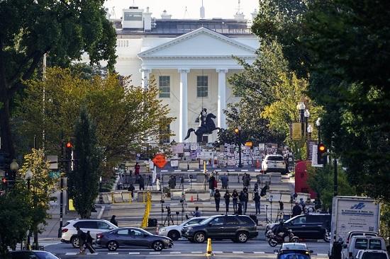 """Tổng thống Donald Trump đưa ra quyết định gây """"chấn động"""" về COVID-19  - Ảnh 2"""