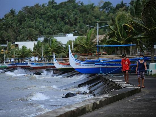 """Chùm ảnh: Siêu bão Goni """"càn quét"""" Philippines với sức mạnh tàn khốc  - Ảnh 4"""
