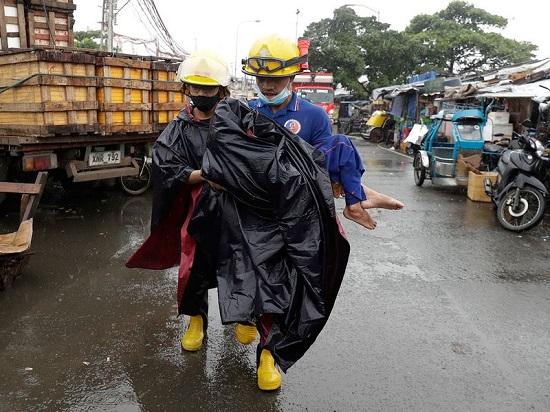 """Chùm ảnh: Siêu bão Goni """"càn quét"""" Philippines với sức mạnh tàn khốc  - Ảnh 5"""