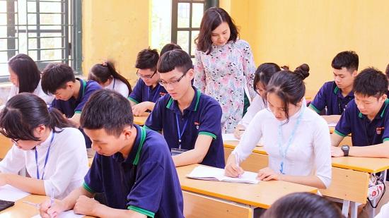 """Cô giáo 8x dạy Hóa dùng thơ, kịch để """"biến hóa"""" trong các giờ học  - Ảnh 3"""