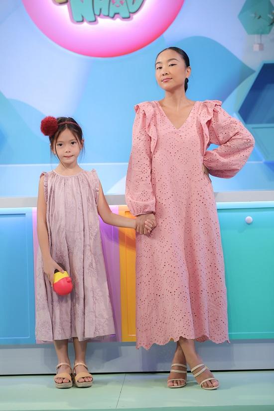 Ca sĩ Đoan Trang song ca cùng con gái cực dễ thương  - Ảnh 2