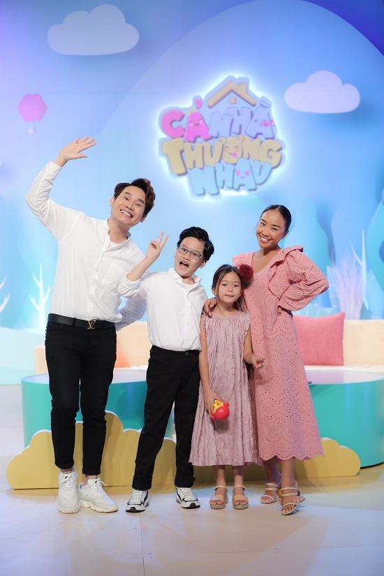 Ca sĩ Đoan Trang song ca cùng con gái cực dễ thương  - Ảnh 5
