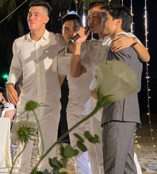 """Ngắm nhan sắc """"cực phẩm"""" của dàn cầu thủ Việt Nam tại đám cưới Công Phượng  - Ảnh 3"""
