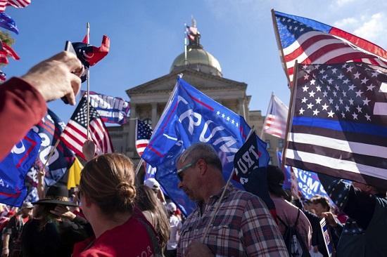 Bầu cử Mỹ 2020: Bang Georgia tiến hành kiểm phiếu lần hai  - Ảnh 2