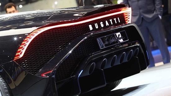 Chiêm ngưỡng siêu xe đắt nhất thế giới Bugatti La Voiture Noire - Ảnh 2