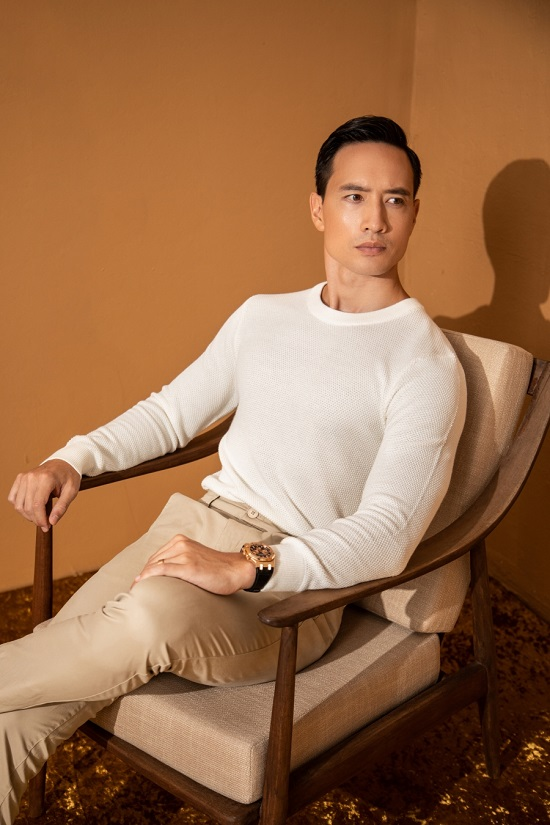 Ông bố hai con điển trai nhất showbiz Kim Lý: Đốn tim cùng vẻ ngoài lịch lãm, nam tính - Ảnh 1