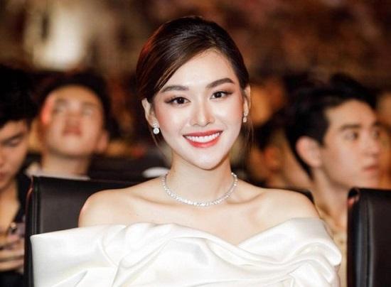 """Hé lộ ảnh cưới đẹp """"lịm tim"""" của Á hậu Tường San, diện mạo chú rể vẫn được giấu kín  - Ảnh 1"""