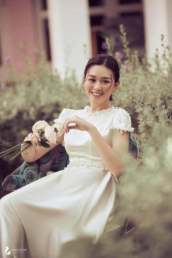 """Hé lộ ảnh cưới đẹp """"lịm tim"""" của Á hậu Tường San, diện mạo chú rể vẫn được giấu kín  - Ảnh 3"""