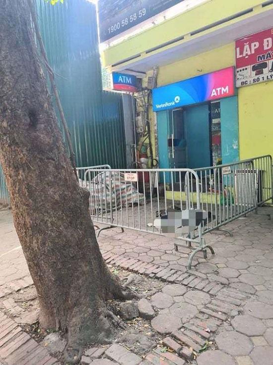 Hà Nội: Người đàn ông tử vong cạnh cây ATM trên đường Phan Đình Phùng - Ảnh 1