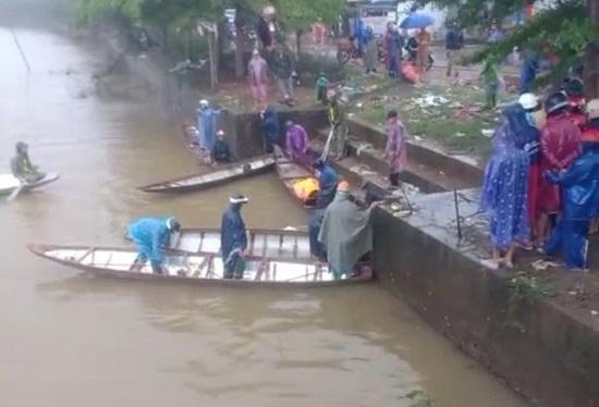 Quảng Bình: Thanh niên tử vong thương tâm sau khi lái xe lao xuống sông - Ảnh 1