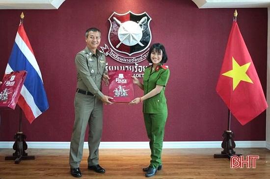 Nữ thủ khoa Học viện Cảnh sát nhân dân được phong hàm vượt cấp  - Ảnh 2