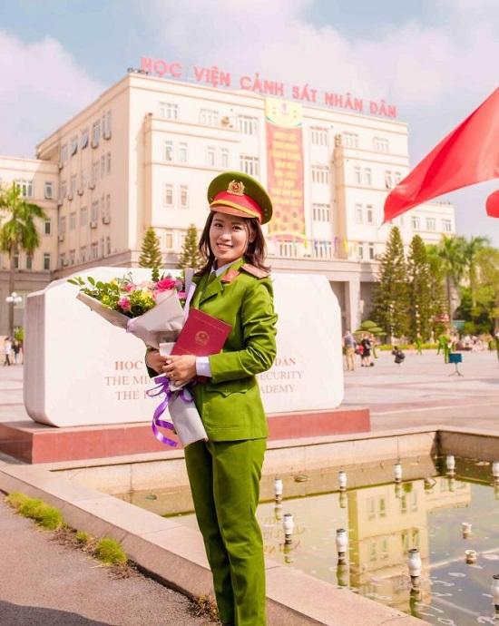 Nữ thủ khoa Học viện Cảnh sát nhân dân được phong hàm vượt cấp  - Ảnh 5