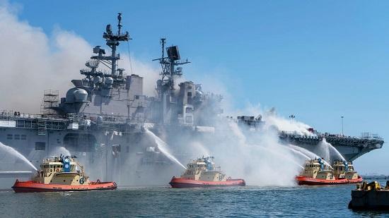 """Hải quân Mỹ chi 30 triệu USD để """"loại biên"""" chiến hạm bị cháy - Ảnh 1"""