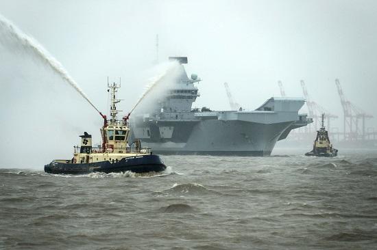 """Tàu sân bay 4,2 tỷ USD của Hải quân Hoàng gia Anh bị tràn nước """"xối xả"""" vào buồng máy - Ảnh 2"""