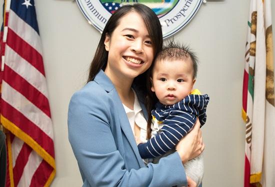 Cô gái gốc Việt 25 tuổi trở thành thị trưởng một thành phố ở California - Ảnh 1