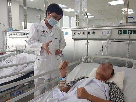 Nam thanh niên 28 tuổi đột quỵ sau cơn đau đầu dữ dội  - Ảnh 1