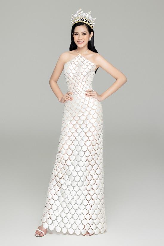 """Cận cảnh nhan sắc """"thăng hạng"""" của Hoa hậu Đỗ Thị Hà cùng 2 Á hậu trong bộ ảnh mới toanh - Ảnh 3"""
