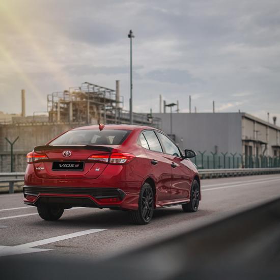 Toyota Vios 2021 bản thể thao bất ngờ lộ diện, giá từ 558,8 triệu đồng - Ảnh 2