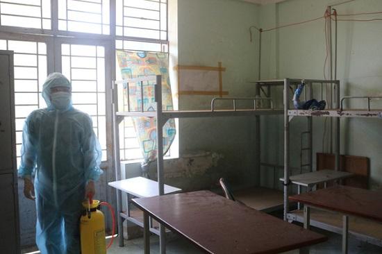 Bệnh nhân 1349 có lịch trình di chuyển dày đặc, nhiều lần đi học ở trung tâm - Ảnh 1