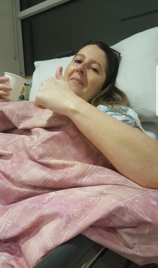 """Sau phẫu thuật """"đại tu"""" vòng một, bà mẹ 36 tuổi chịu biến chứng """"kinh hoàng"""" trong suốt 10 năm - Ảnh 4"""