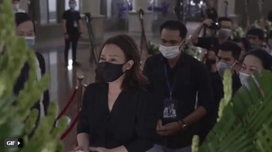 Nghẹn ngào những khoảnh khắc chưa từng công bố trong tang lễ cố nghệ sĩ Chí Tài ở Việt Nam  - Ảnh 2