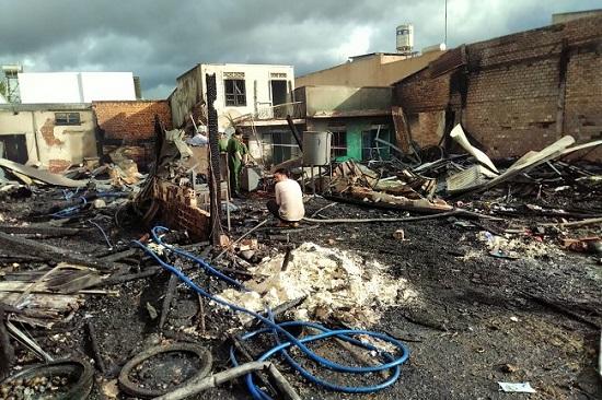 Lâm Đồng: 4 căn nhà bị thiêu rụi cùng một lúc, 2 căn khác ảnh hưởng  - Ảnh 1