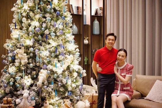 """Cường Đô La khoe quà Giáng sinh """"sang-xịn"""" từ bà xã Đàm Thu Trang  - Ảnh 4"""