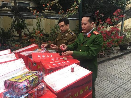 Hà Nội: Bắt giữ hơn 10 tấn bánh kẹo không rõ nguồn gốc xuất xứ - Ảnh 1