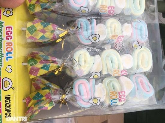 Hà Nội: Bắt giữ hơn 10 tấn bánh kẹo không rõ nguồn gốc xuất xứ - Ảnh 2