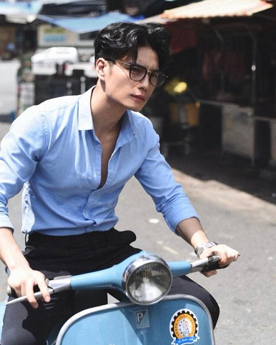 """Ngắm thân hình """"xịn sò"""" cùng cơ bắp cuồn cuộn của """"bạn trai tin đồn"""" Ngô Thanh Vân  - Ảnh 2"""
